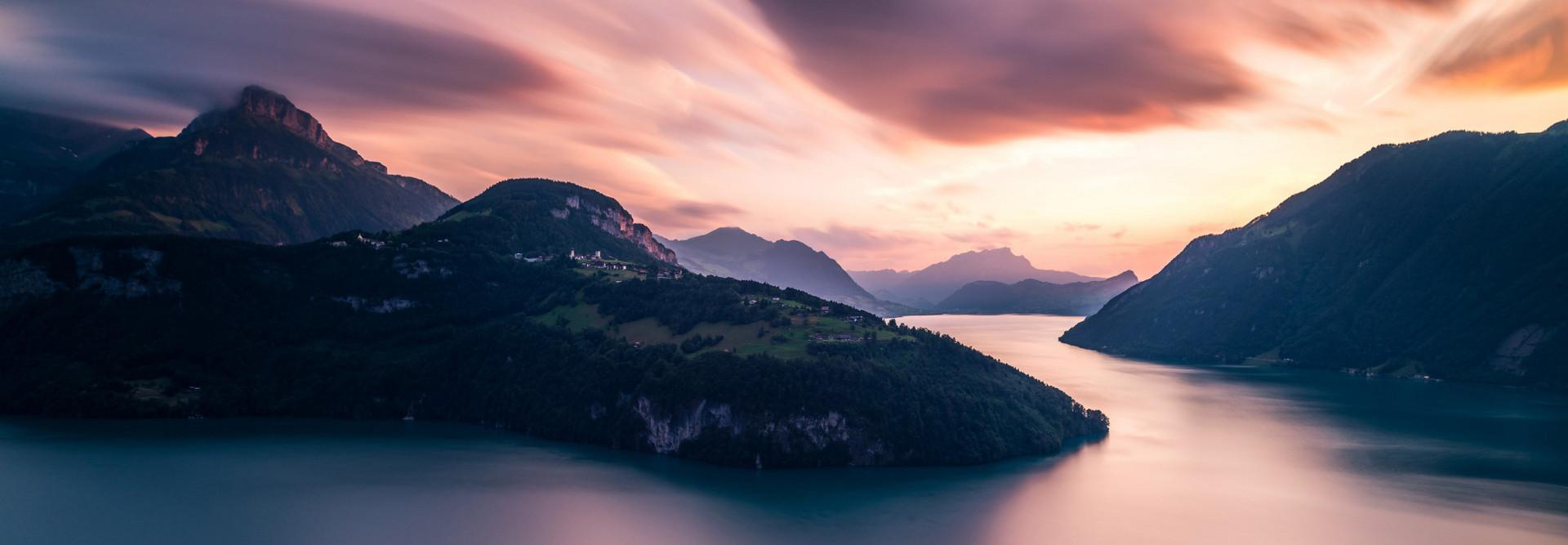 Stimmungsvolles Wolkenspiel über dem Vierwaldstättersee.