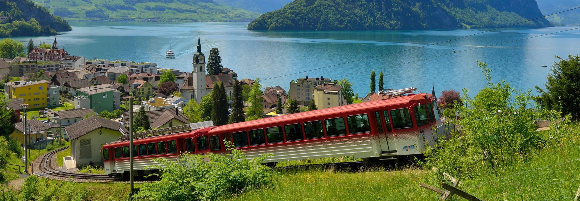 The Rigi rack railway leaves the station Vitznau.